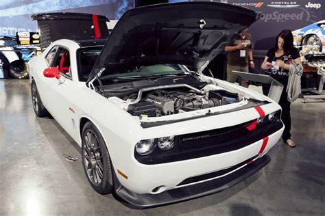 dodge challenger srt acr   car  fun muscle