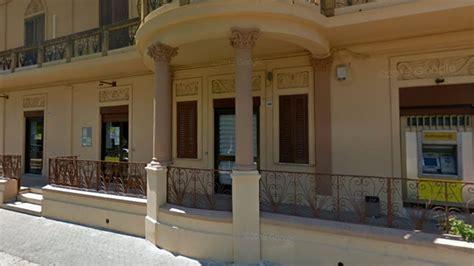 Ufficio Postale Palermo by Tommaso Natale Chiuso L Ufficio Postale Quot Residenti