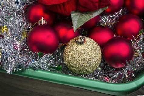 store  holiday decorations quickly  efficiently