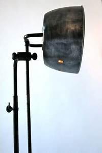 Lampadaire Salon Industriel : lampadaire industriel rg levallois ~ Teatrodelosmanantiales.com Idées de Décoration