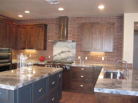 Red Brick Backsplash Kitchen : Red Brick Backsplash With White Border For Large Modern
