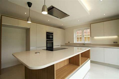 Brand New Porcelanosa Kitchen, Quartz Worktops, Island.