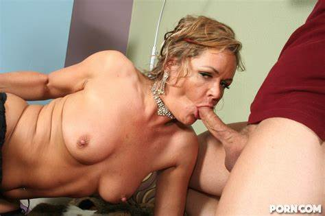 Stepmother Bride Destroyed Tube An Older Vixen Crave Her Adorable Cousin At Selfie Massive Tube
