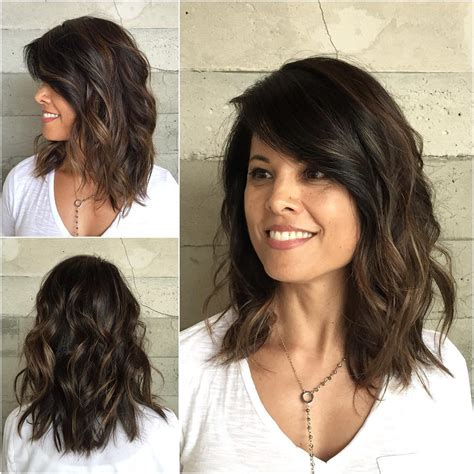 10 medium wavy hair styles for shoulder length haircuts 2019