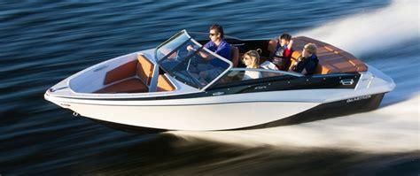 Glastron Boats Font by D 233 Couvrez Les Bateaux Sport 2013 De Glastron Qu 233 Bec Yachting