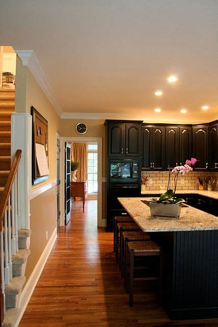 kitchen cabinets idea 1000 ideas about black wainscoting on 3022