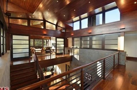 celebrity house matt damons mansion  pacific palisades news    maison valentina