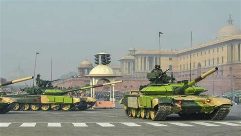 T-90s deployed at Daulat Beg Oldi to prevent any Chinese ...