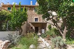 Haus Mit Garten Kaufen : traditionelles haus mit garten und toller aussicht kaufen ~ Whattoseeinmadrid.com Haus und Dekorationen