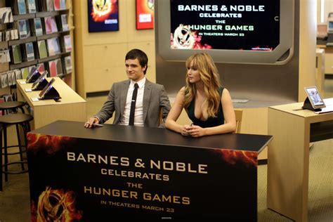 barnes and noble sign in thg book signing at barnes and noble josh hutcherson