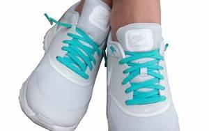 Schuhe Schnüren Ohne Schleife : gewinnen sie eines von drei paaren der innovativen schn rsenkel von leazy ~ Frokenaadalensverden.com Haus und Dekorationen