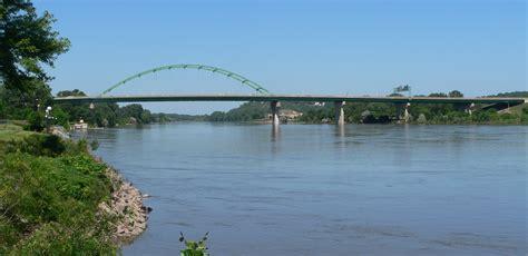 File:South Sioux City, Nebraska Veterans Bridge from DS 1 ...