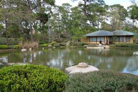 the gardens houston wonderful world of minnie minnie and graduation