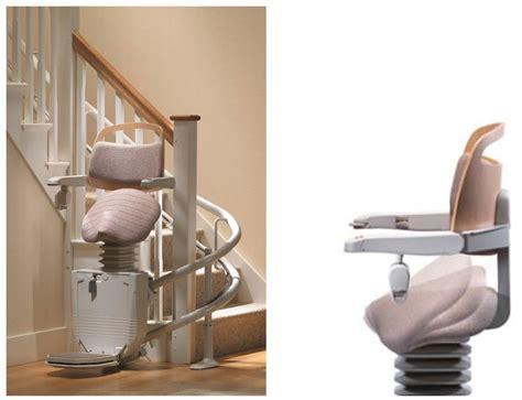 siege escalier adaptation des logements des seniors un siège monte
