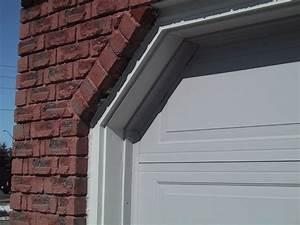 Garage Gap : how to insulate the gaps between the garage door and side wall how to build a house ~ Gottalentnigeria.com Avis de Voitures