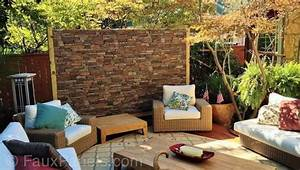 Ziegel Deko Wand : diese terrasse privatsph re wand bedeckt in faux stein verkleidung sitzecke im innenhof und ~ Sanjose-hotels-ca.com Haus und Dekorationen