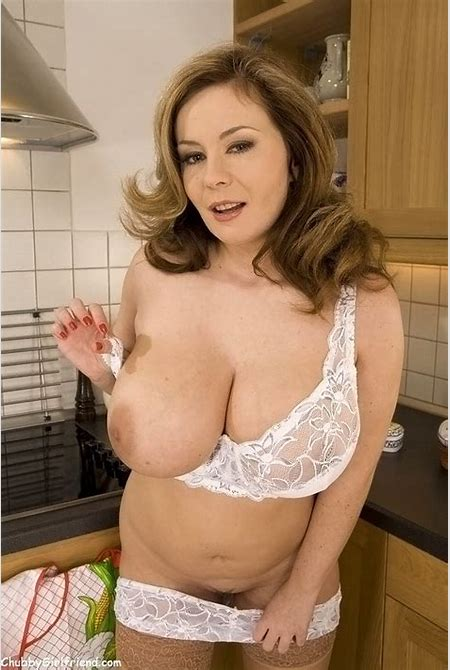 Chubby housewife in stockings