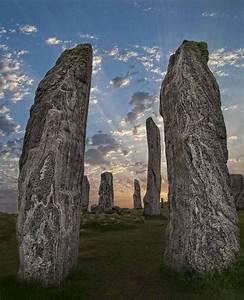 Steinzeitliche steinsäule