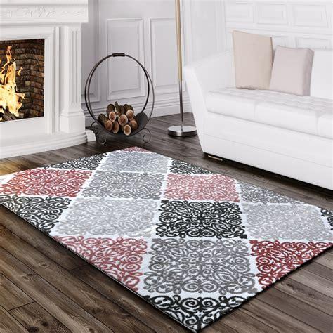 tapis design motif baroque rose tapis