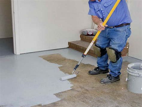 How To & Repair : How To Paint Concrete With Grey Colour