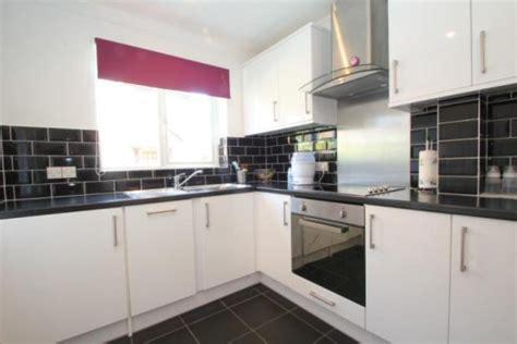 tiles to go with white gloss kitchen hanbury home improvements ltd 100 feedback kitchen 9798