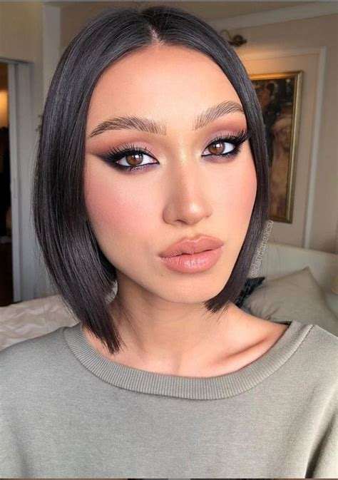 charming natural makeup  ideas  valentines day latest fashion trends  woman