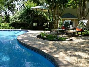 Backyard landscaping ideas swimming pool design for Swimming pool landscape design ideas