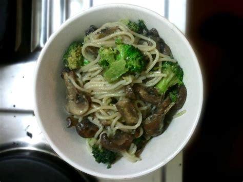comment cuisiner les vermicelles de riz petit bol brocoli et chignon ou comment cuisiner dans