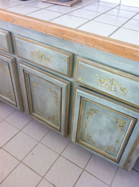 pictures of kitchen cabinet doors 15 best cabinets painted with chalk paint images on 7462