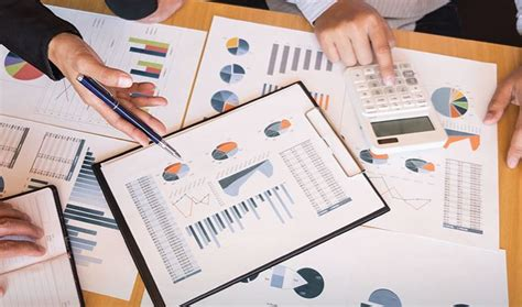 Sistem informasi akuntansi merupakan bidang akuntansi erat kaitannya dengan teknologi sebagai rangkaian penyajian informasi yang terstruktur tentang laporan akuntansi. Apa Saja 6 Komponen Sistem Informasi Akuntansi Lengkap ...