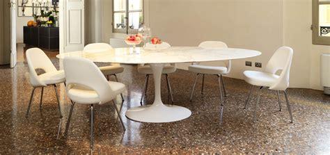 Chaise Conférence Knoll by Saarinen Dining Table Oval Knoll