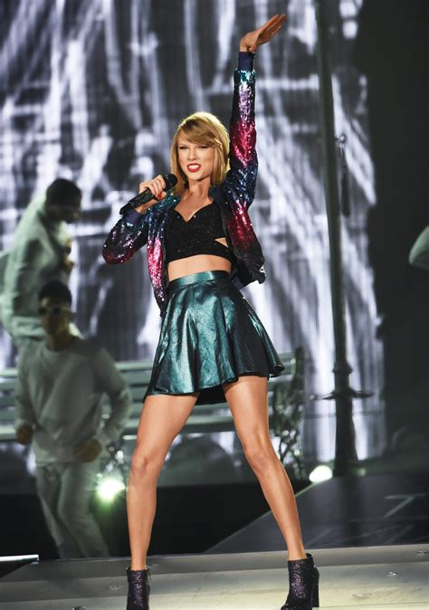 See All of Taylor Swift's Dazzling 1989 World Tour ...