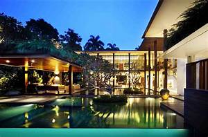 Eye Catching Cool Modern House With Swimming Pool Closed ...