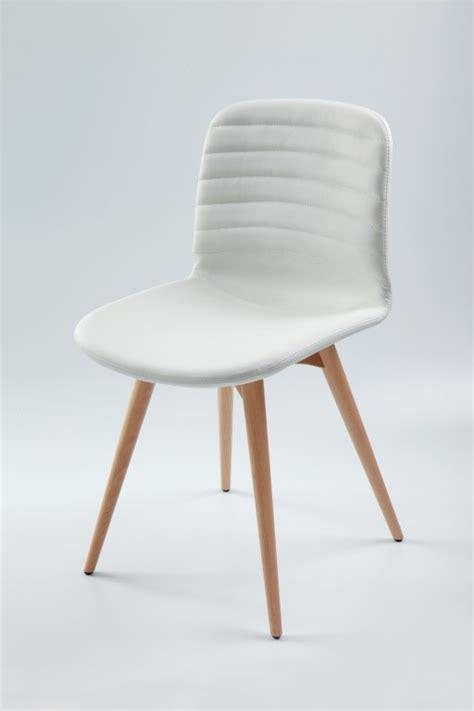 chaise blanche cuisine cuisine blanche verre chaise de