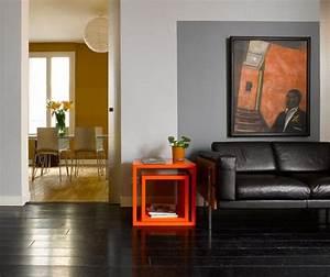 Deco Avec Du Gris : salon gris et orange une association de couleurs moderne ~ Zukunftsfamilie.com Idées de Décoration