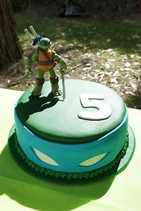 Ninja Turtle Cake - Leonardo | Cakes | Pinterest | Ninja ...