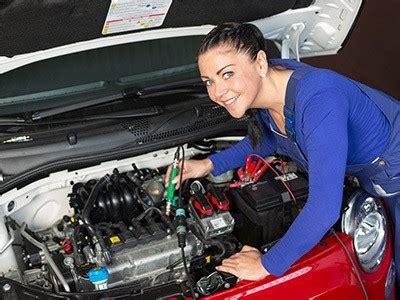 women  car repairs avoid  ripped