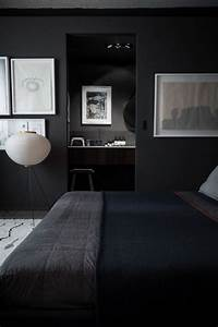 15 masculine bachelor bedroom ideas home design and interior With couleur pour couloir sombre 2 modern pop art style apartment