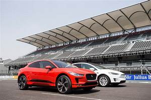 Jaguar I Pace : jaguar i pace beats tesla model x from 0 60 0 in race video auto express ~ Medecine-chirurgie-esthetiques.com Avis de Voitures