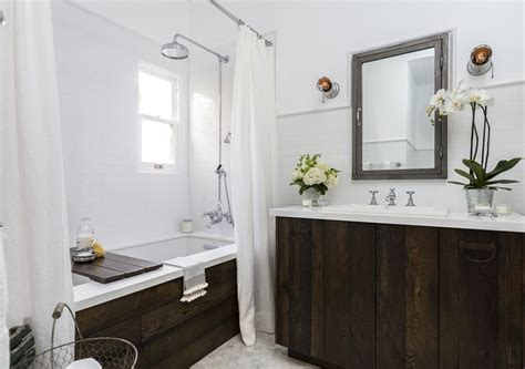 Transform Your Bathroom With Reclaimed Wood
