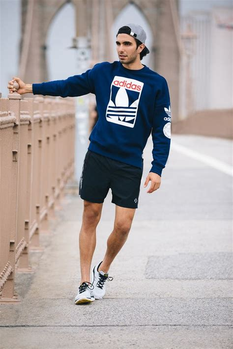 Picture Of sexy and comfy men workout outfits 8