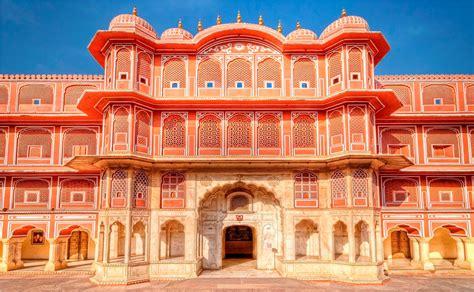 beautiful rajput city palace jaipur rajashthan india