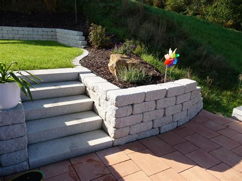 Stufen Im Garten by Garten Stufen Terrasse Mit Stufen Righini Garten Und