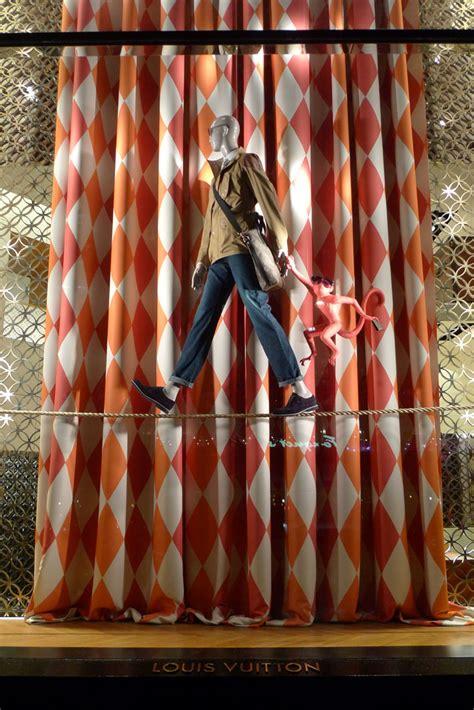 louis vuitton circus windows paris