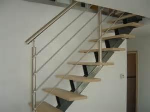 escalier limon central acier escaliers limon central acier metal design 224 capelle la grande