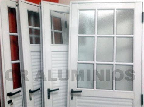 puerta aluminio blanco