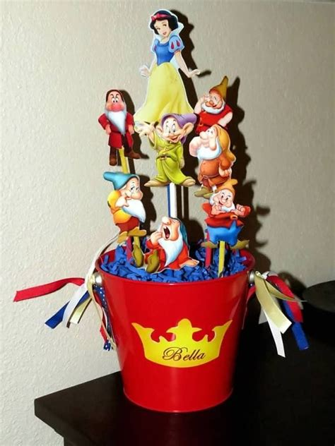 snow white centerpieces snow white centerpiece simple party ideas pinterest
