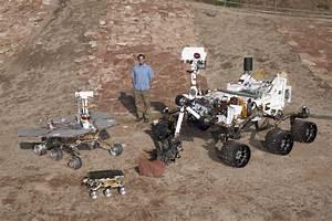 Curiosity Mars Rover Investigates Eye-catching, Odd ...