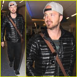 aaron paul just jared aaron paul joins kevin hart s comedy central intelligence