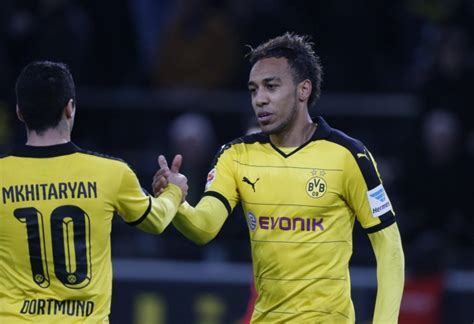 What Mkhitaryan's bond with Aubameyang says about Arsenal ...